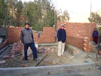 Building the clinic, Quishaur 2009