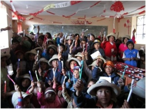 School children in Quishuar, Peru, with their new toothbrushes provided by East Farleigh Primary School and delivered by Fulford School on an LED project