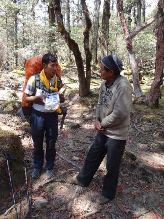 LED solar light distribution, Taktor – LED Solu Khumbu Trek, April/May 2016
