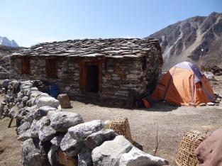 LED solar light distribution, Bhote Kosi valley – LED Solu Khumbu Trek, April/May 2016